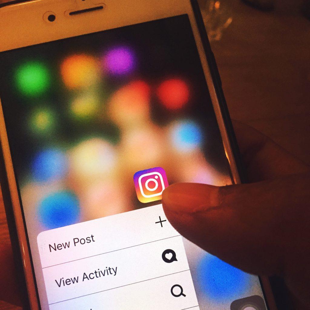 les données privées sur les réseaux sociaux est un avantage pour les cambrioleurs